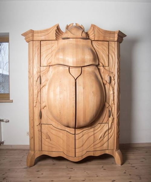 Tumblr sunday on monday the amazing latvian bug wardrobe for Le meuble villageois furniture