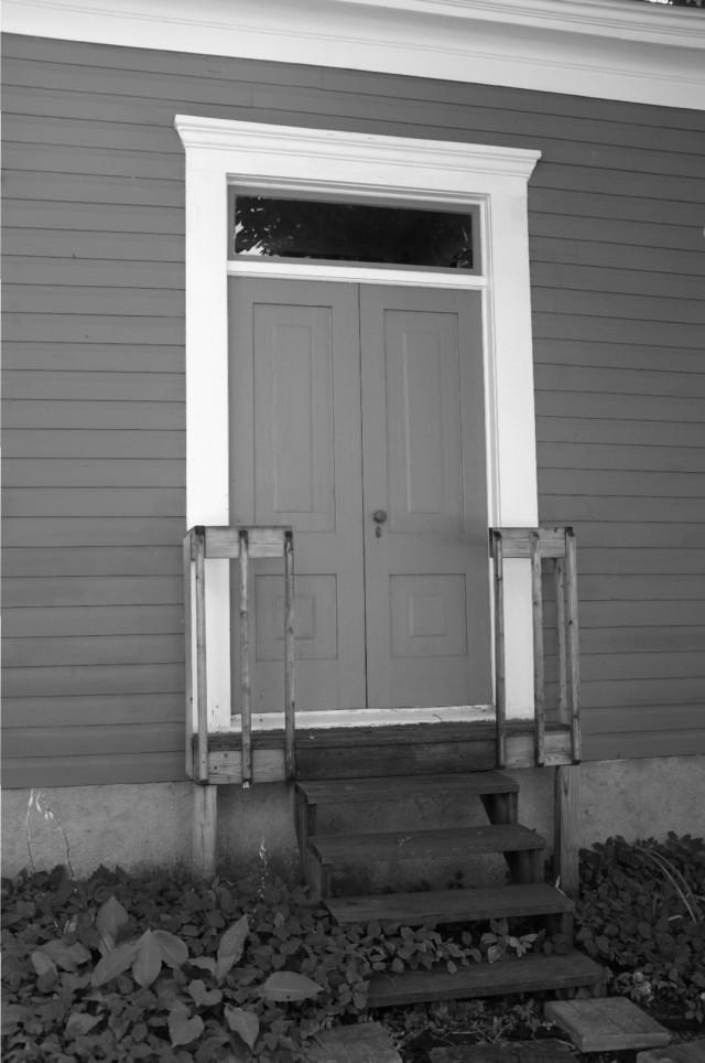 blueandredporch-classic chrome-bw-blog